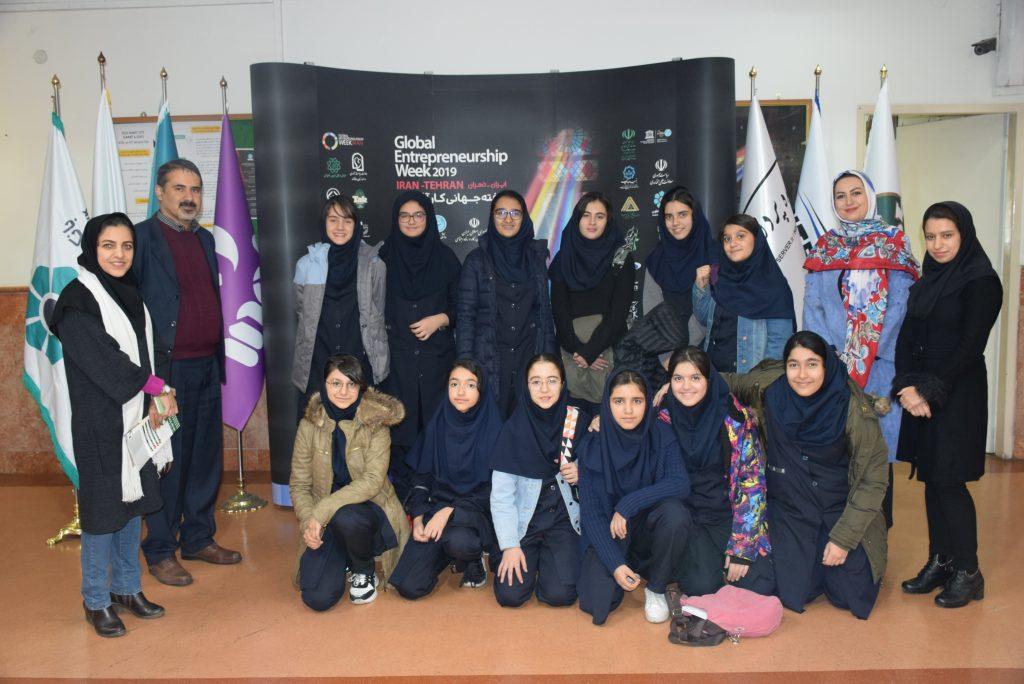عکس دسته جمعی مسابقه نقاشی GEW